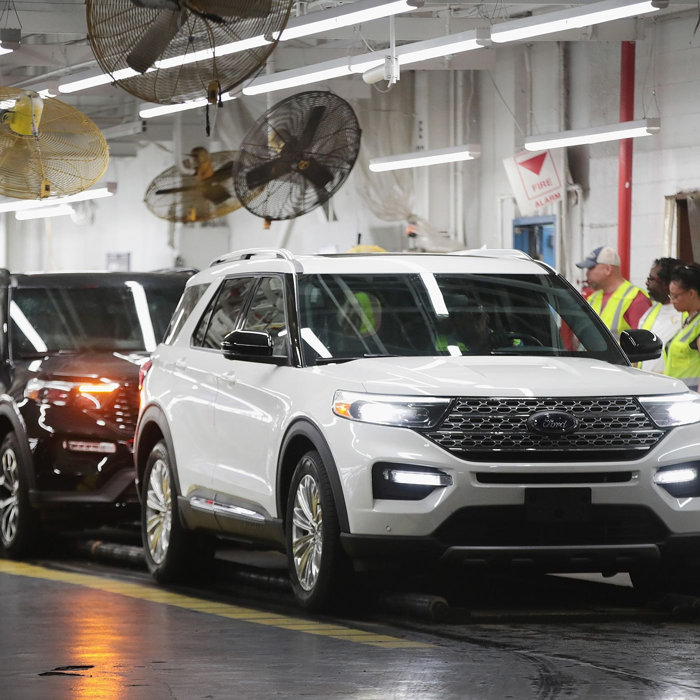 ford gm fiat chrysler join honda in closing us factories to slow pandemic the verge ford gm fiat chrysler join honda in