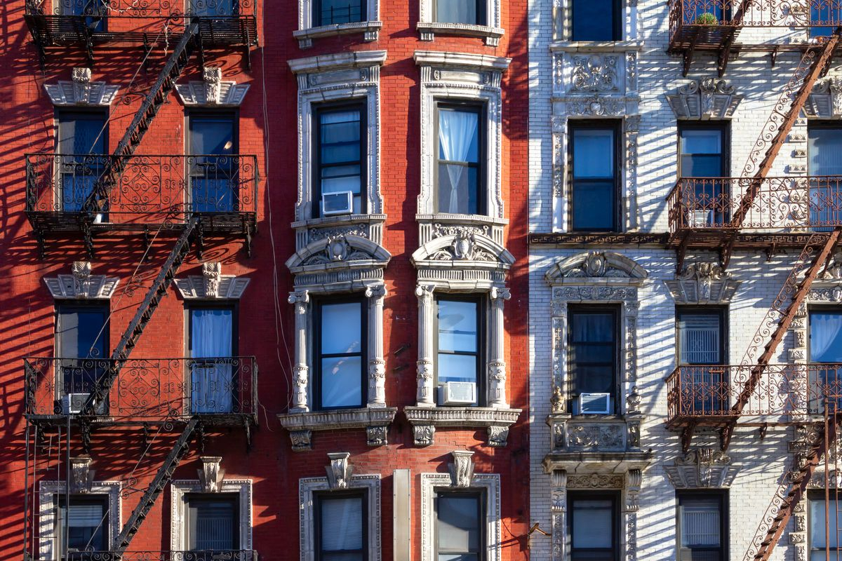 NYC buildings with fire escapes.