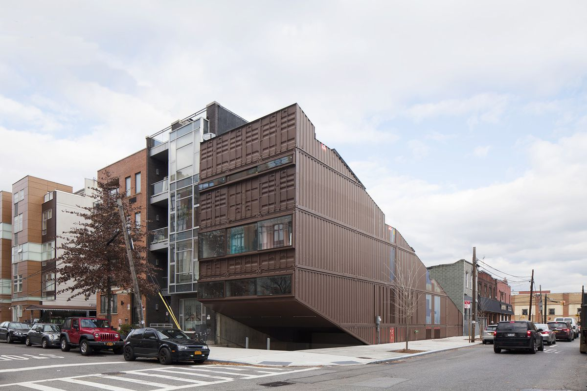 Peek inside a williamsburg townhouse made entirely of - Container homes chicago ...
