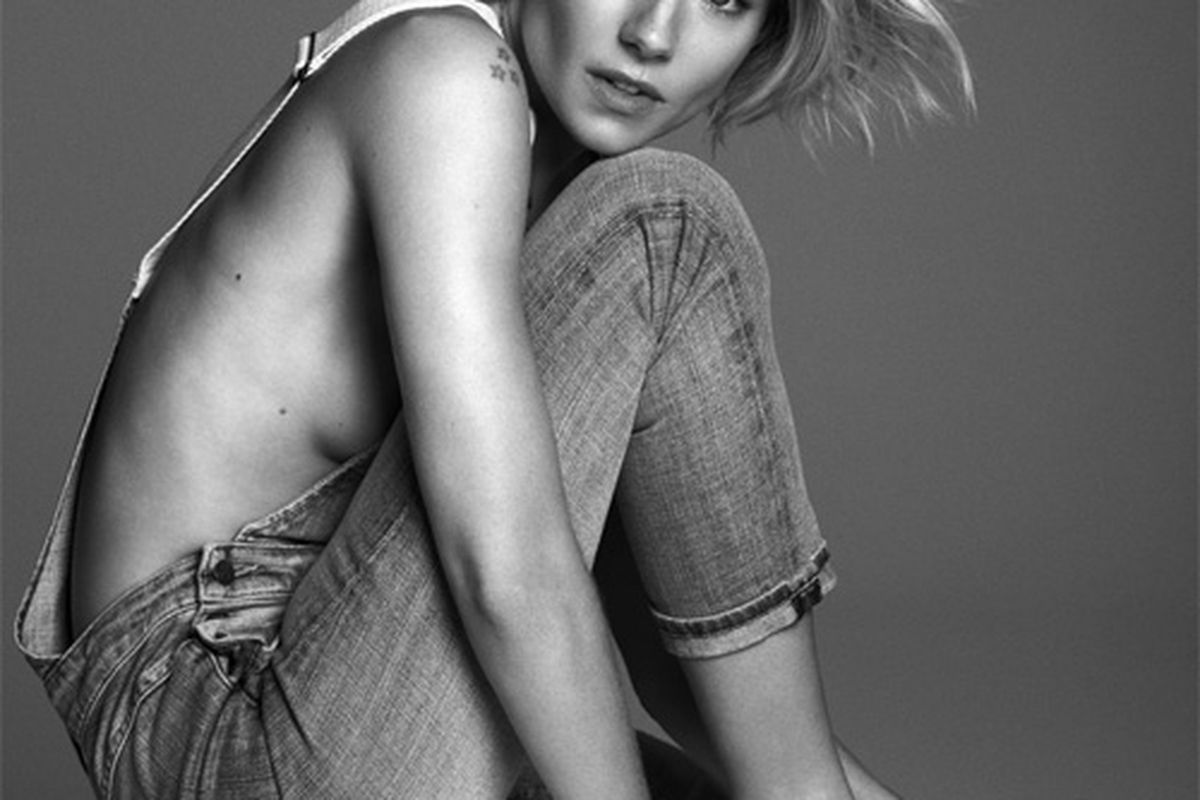 """Image <a href=""""http://www.theguardian.com/fashion/gallery/2015/jan/03/fashion-sienna-miller-in-pictures"""">via</a>"""