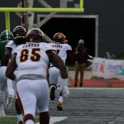 Mike Danna runs it in for a touchdown after a fumble recovery.
