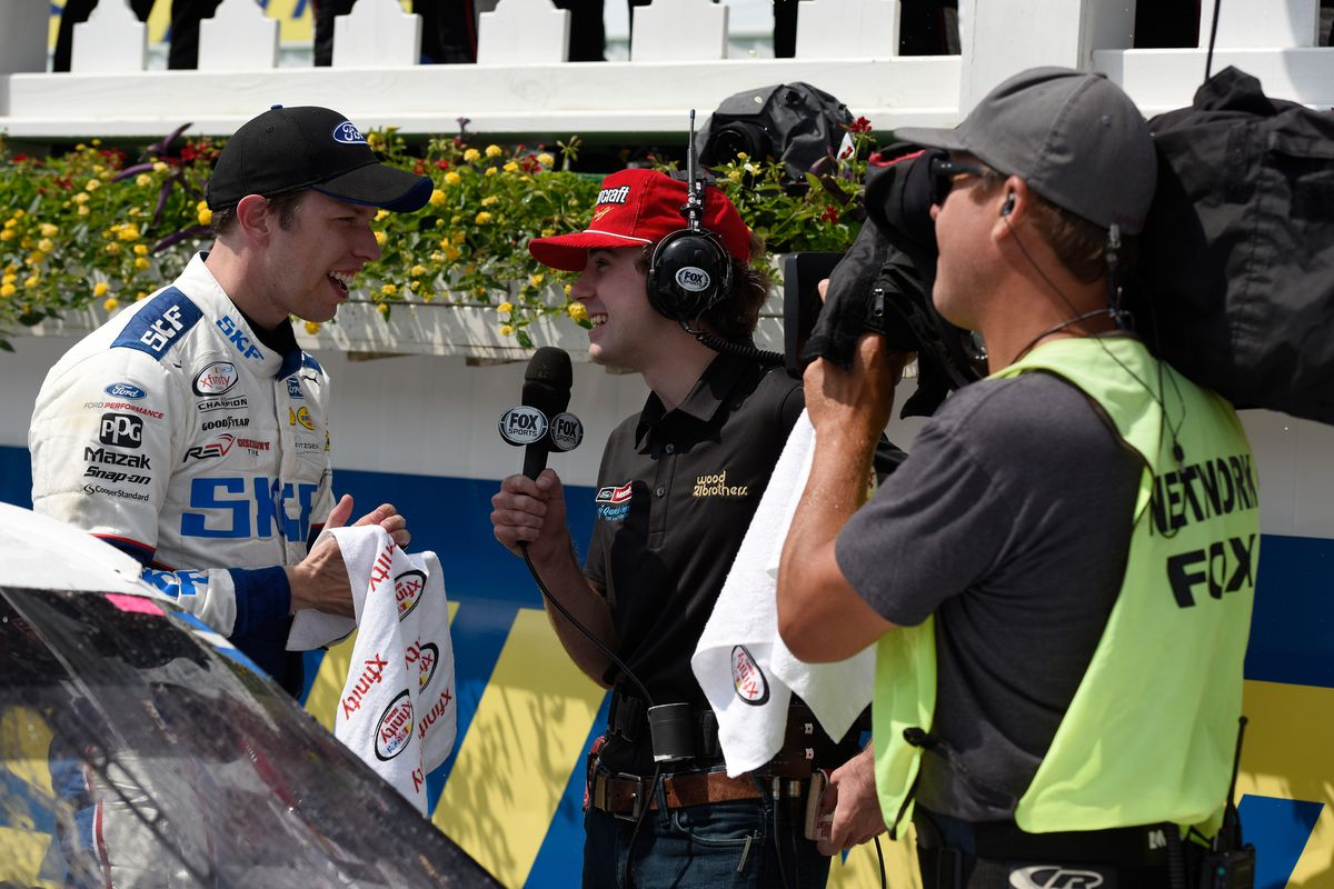 Blaney holds off Harvick for win at Pocono