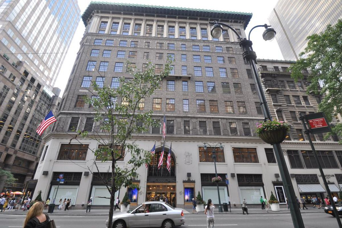 Lord Amp Taylor S Fifth Avenue Flagship May Be Topped By A