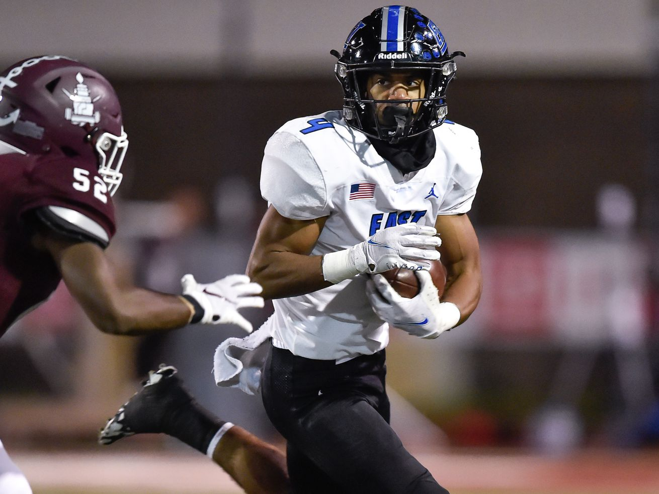 The streak lives: Lincoln-Way East squeaks past Lockport