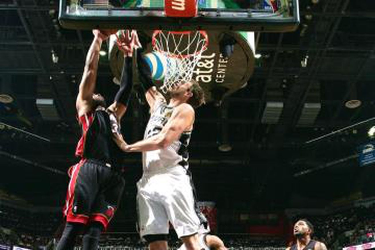 Wade provided Tiago Splitter with his finest moment as a Spur