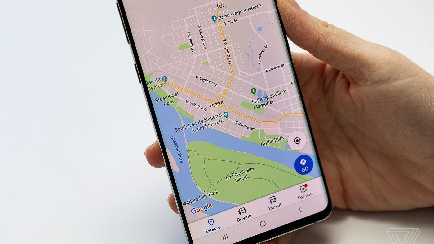 How To Use Google Maps To Help Someone Find You The Verge Google maps offers two views for walking navigation: how to use google maps to help someone