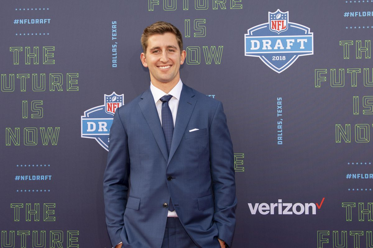 681f4621 NFL Draft 2018: The Cardinals traded with the Raiders to take Josh ...