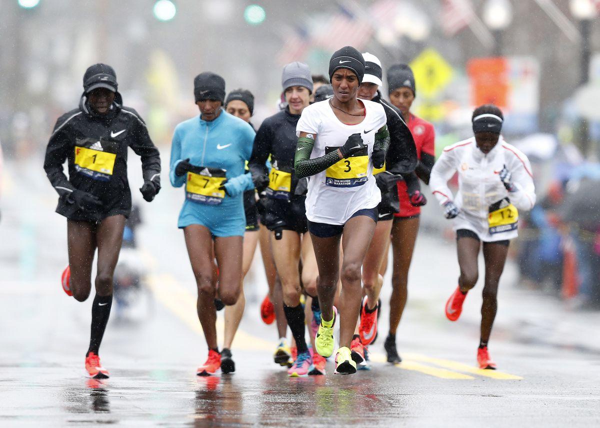 efb1fefc49c Boston Marathon results 2018  USA s Desiree Linden