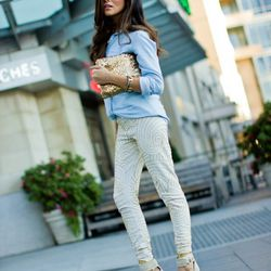 """Sazan of <a href=""""http://spazmag.com""""target=""""_blank"""">Spaz Mag</a> is wearing <a href=""""http://virgoslounge.com/collections/autumn-winter/products/zaria-leggings-white""""target=""""_blank"""">Virgos Lounge</a> pants, an H&M shirt, a Society of Chic bag, <a href=""""ht"""