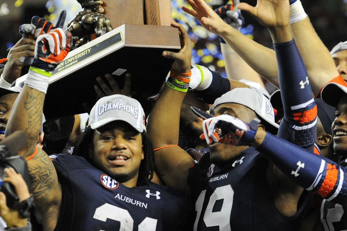 Auburn lifted the SEC championship trophy in 2013.  I HATE that!