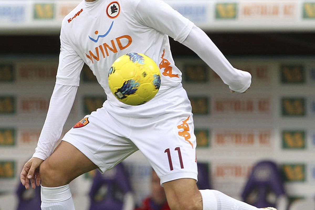 FLORENCE, ITALY - DECEMBER 04:  Rodrigo Taddei of AS Roma in action during the Serie A match between ACF Fiorentina and AS Roma at Stadio Artemio Franchi on December 4, 2011 in Florence, Italy.  (Photo by Marco Luzzani/Getty Images)