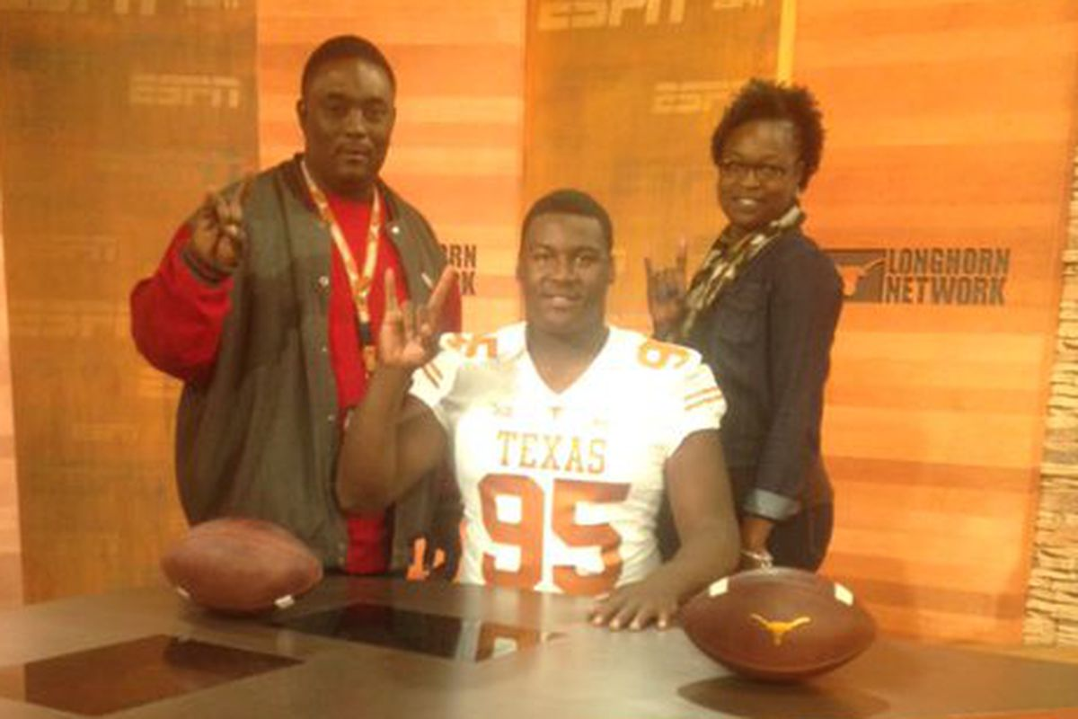 Stephon Taylor with his family on his Texas official visit