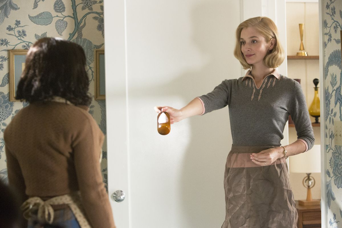 Libby (Caitlin FitzGerald) insists Coral (Keke Palmer) shampoo with a formula designed to get rid of lice.