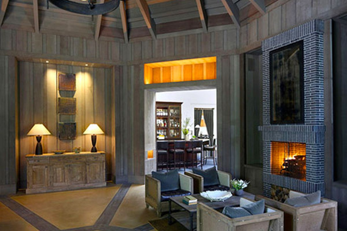 The new lounge and entry at Meadowood.