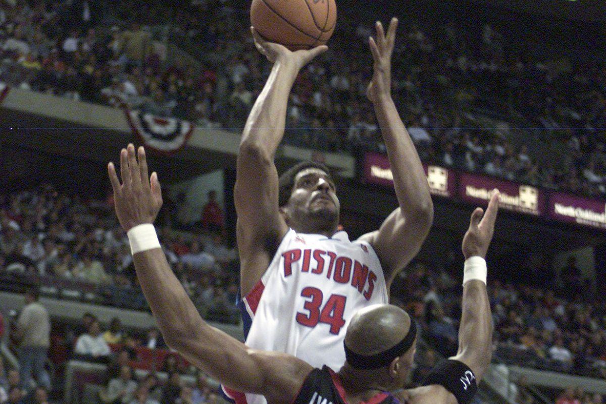Forgotten Toronto Raptors Playoffs: The 2002 Corliss Williamson Revenge Tour