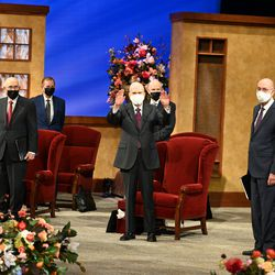President Russell M. Nelson waves to attendees gathered in the Conference Center Theater in Salt Lake City before the Saturday afternoon session of The Church of Jesus Christ of Latter-day Saints' 191st Annual General Conference April 3, 2021.