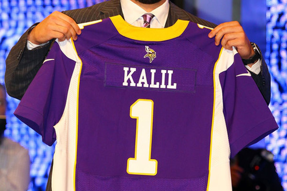 Gary Anderson does not approve, but there's not much he could do about it.  You see, Matt Kalil could eat him.