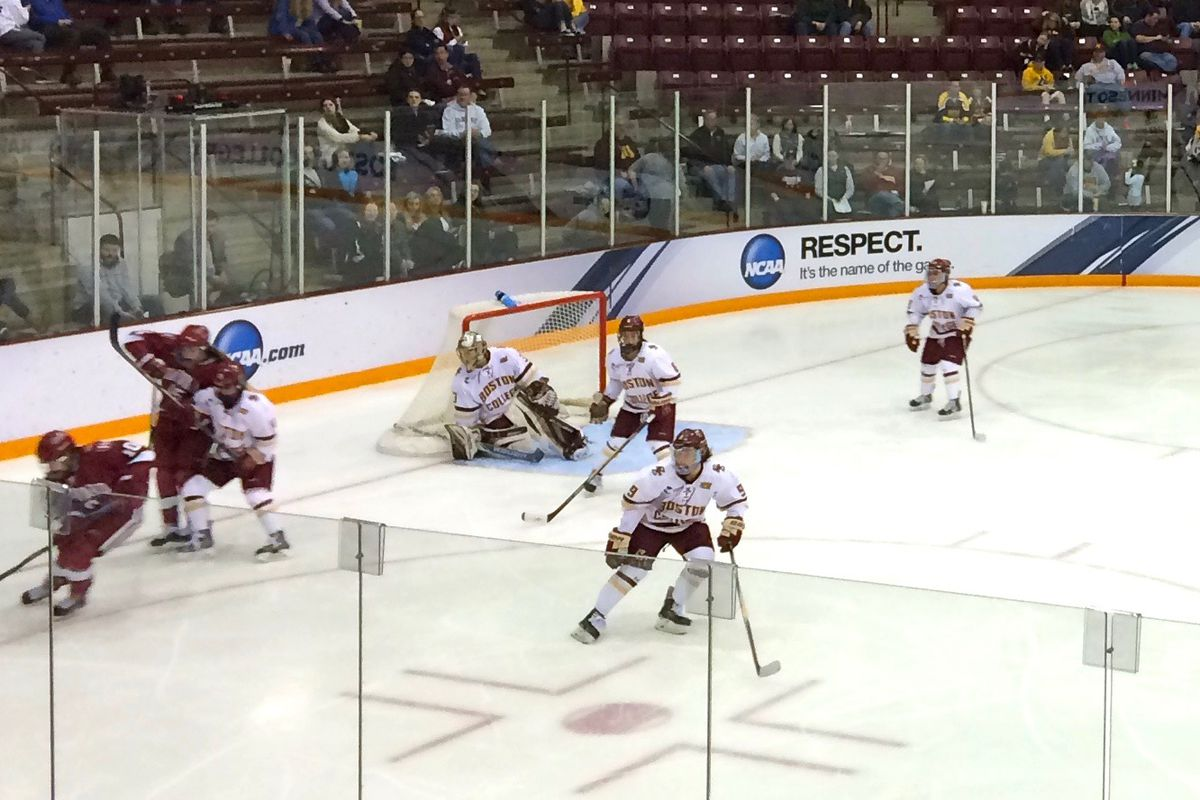 Boston College playing Harvard during the 2015 Women's Frozen Four.