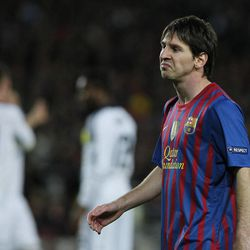 Barcelona's Lionel Messi gestures during a Champions League second leg semifinal soccer match against Chelsea at Camp Nou stadium, in Barcelona, Spain, Tuesday, April 24, 2012.