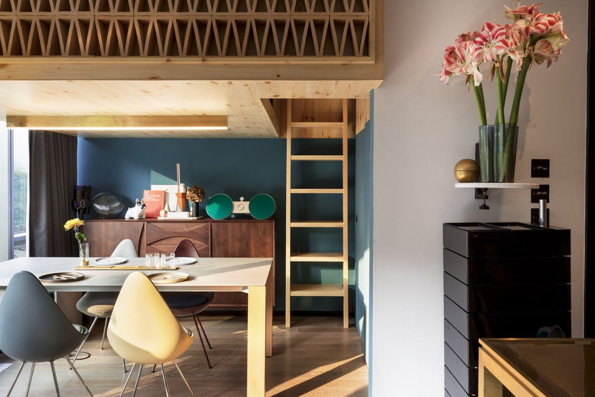 366 Square Foot Apartment Gets Space Saving Renovation Curbed