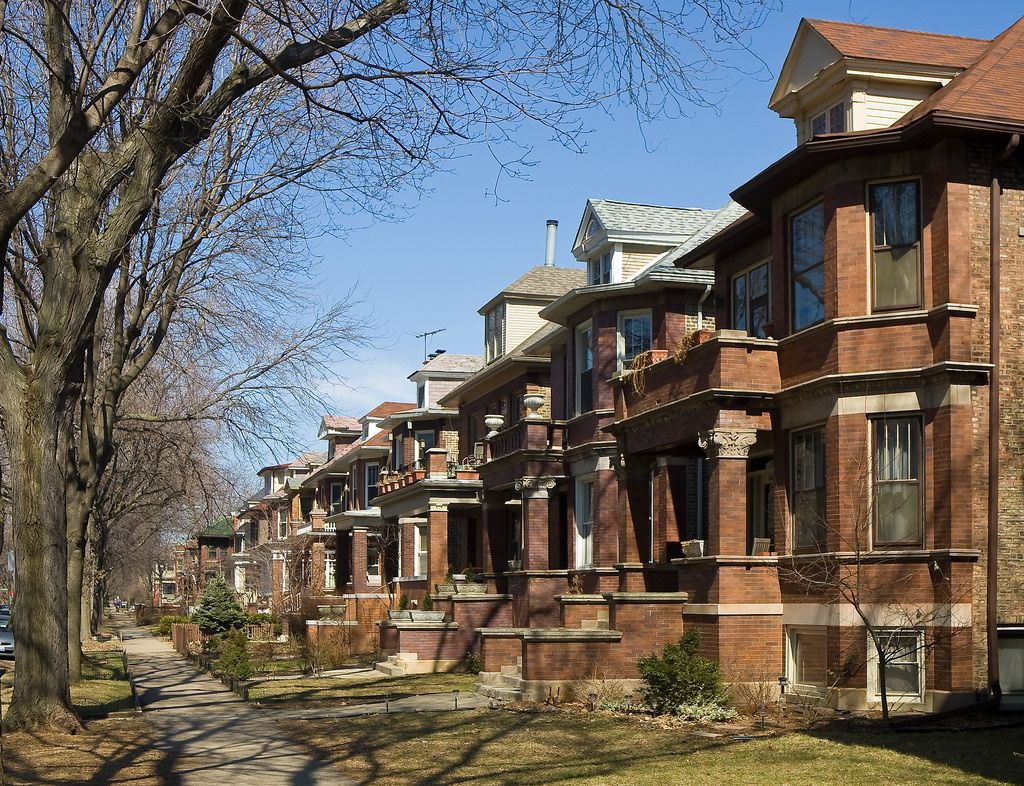 Homes in the Lakewood Balmoral Historic District of Edgewater