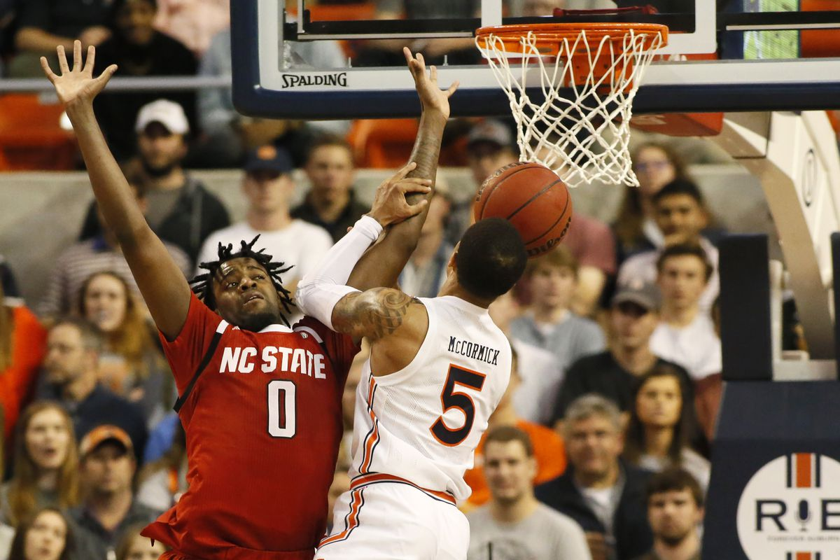 Nc State Comes Up Short At Auburn 79 73 Backing The Pack