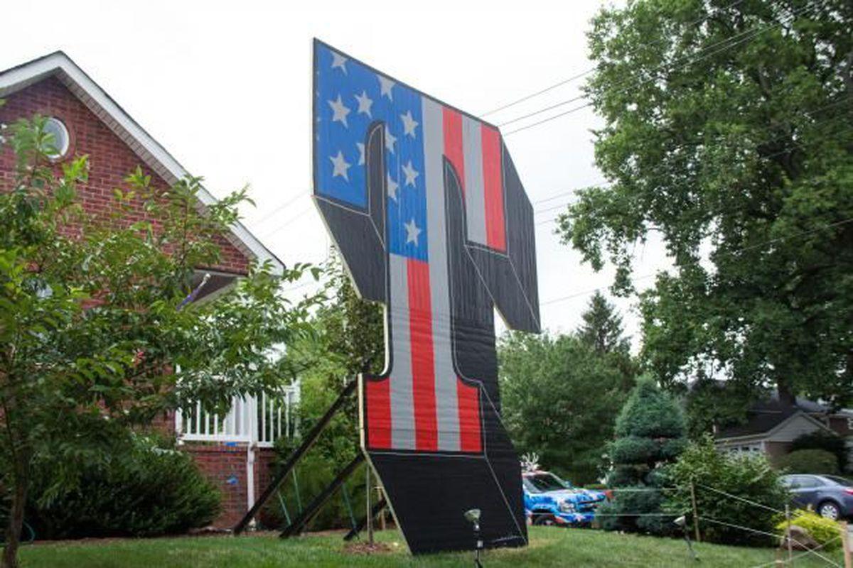 Donald Trump Staten Island sign