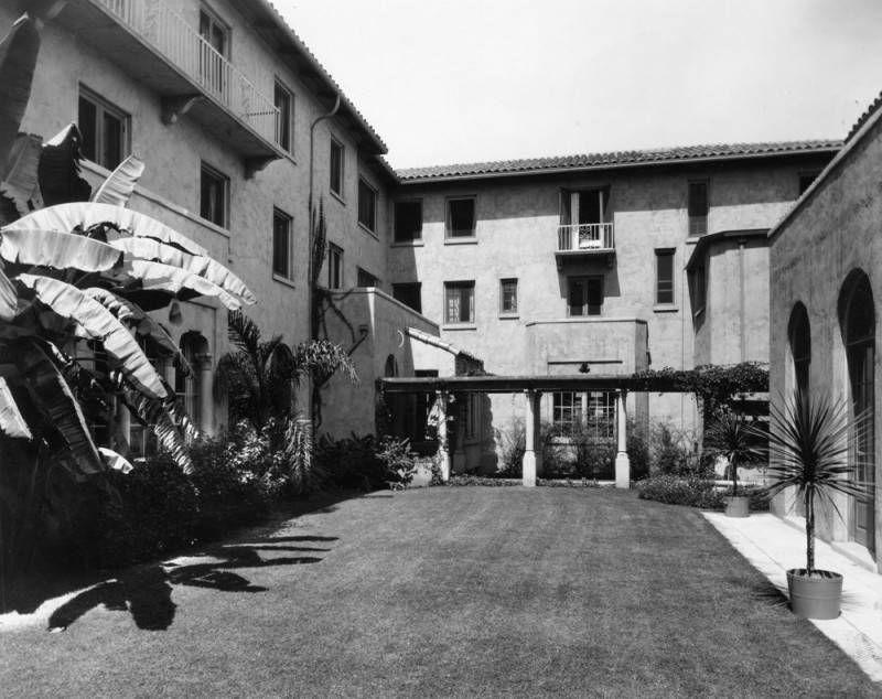 Hollywood Studio Club
