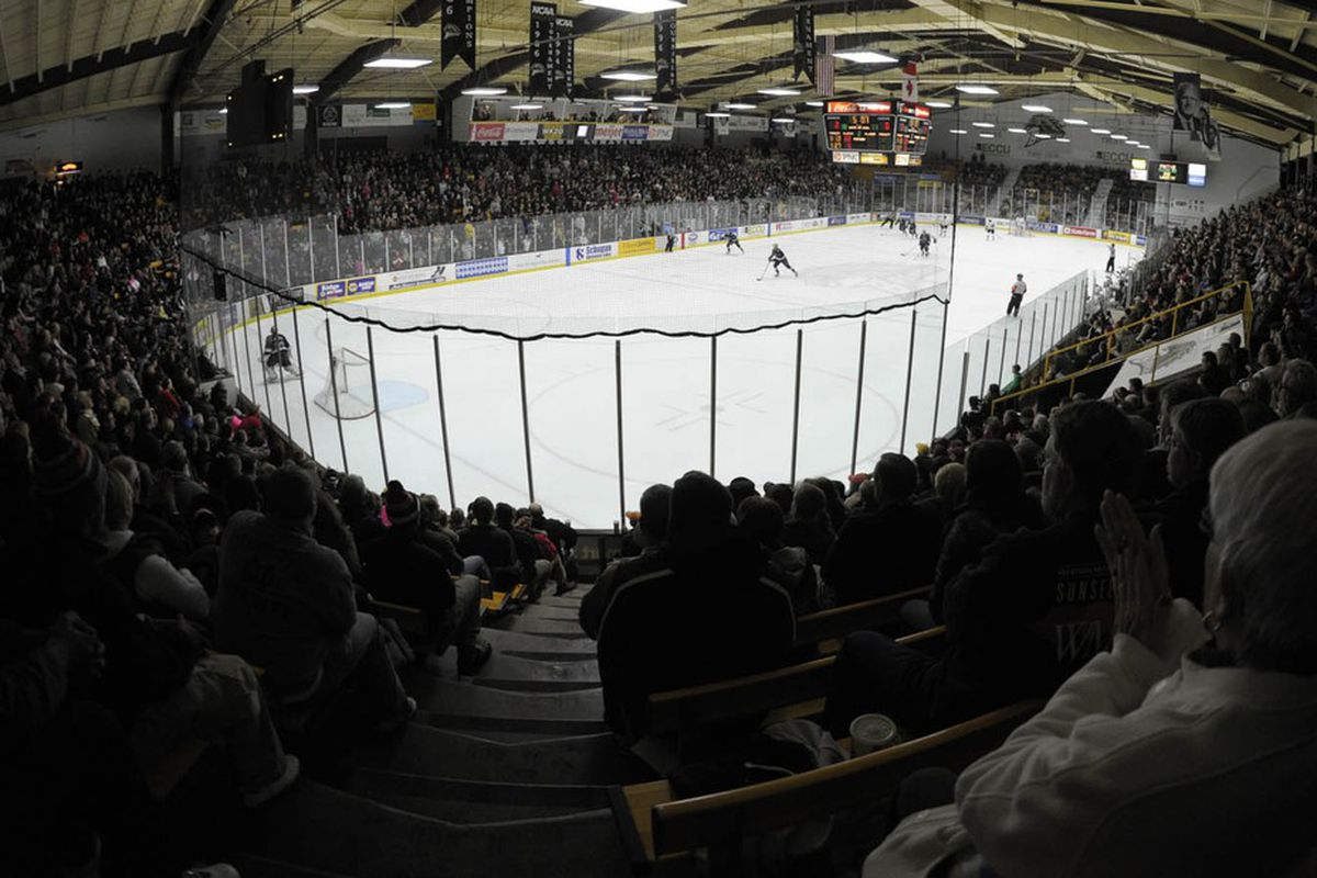 Despite a solid crowd, the Broncos couldn't find the energy to keep up with a red-hot Minnesota-Duluth team in a 5-2 defeat
