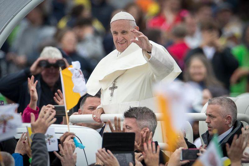8.27 Vox Sentences: Pope Francis's crisis of confidence