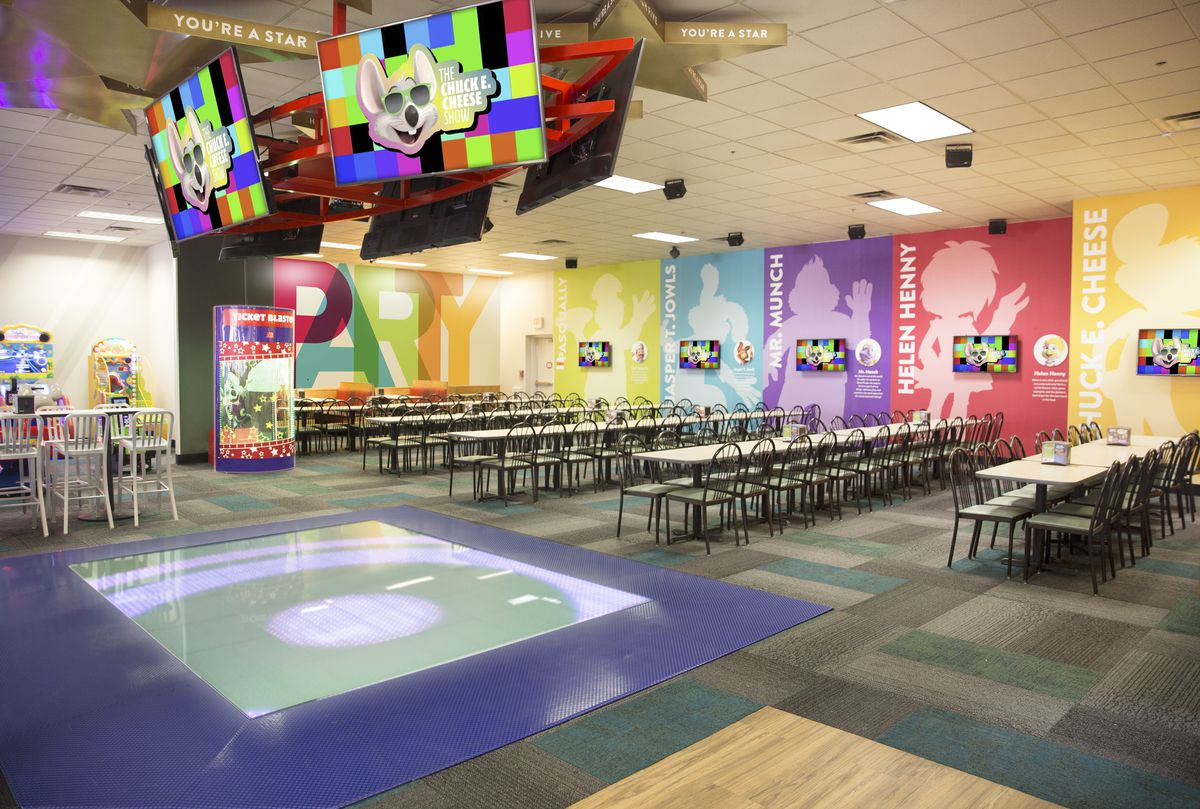 why chuck e cheese s is getting rid of those creepy robots eater