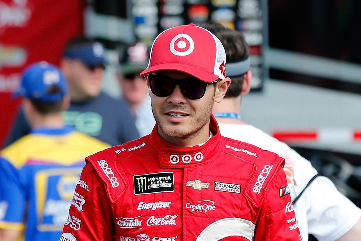 Kyle Larson loses points lead after 35-point penalty from Kentucky race