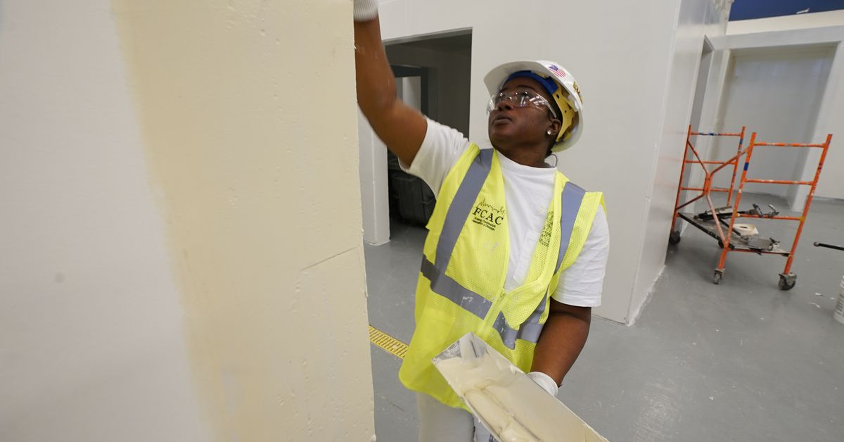 Painter Denise Jones is helping women in trade unions become 'fit for the fight' - Chicago Sun-Times
