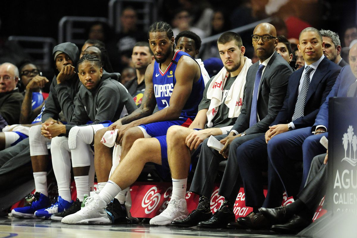 Los Angeles Clippers forward Kawhi Leonard center Ivica Zubac and the bench watch game action during the 140-114 loss against the Memphis Grizzlies in the second half at Staples Center.