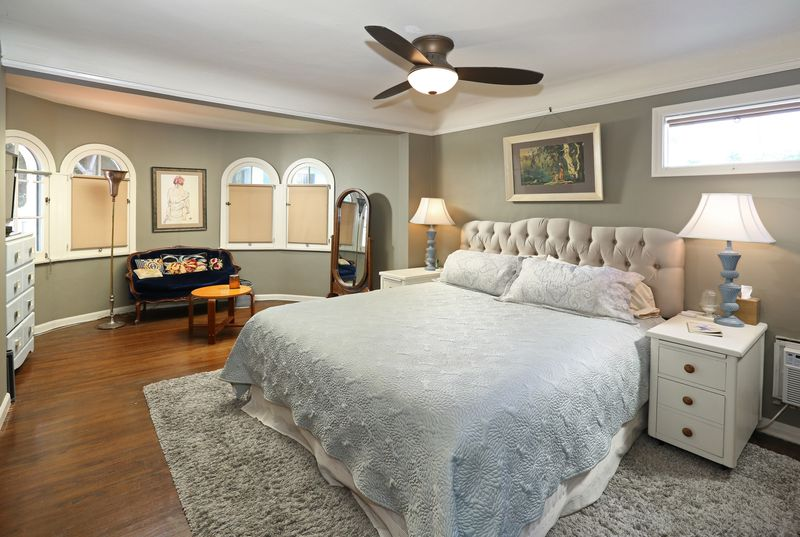 Bedroom with rounded walls