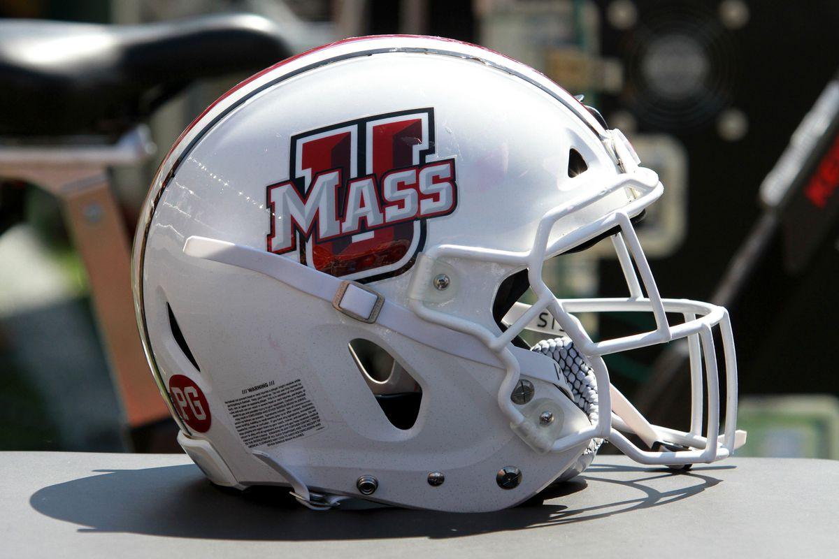 COLLEGE FOOTBALL: SEP 01 UMass at Boston College
