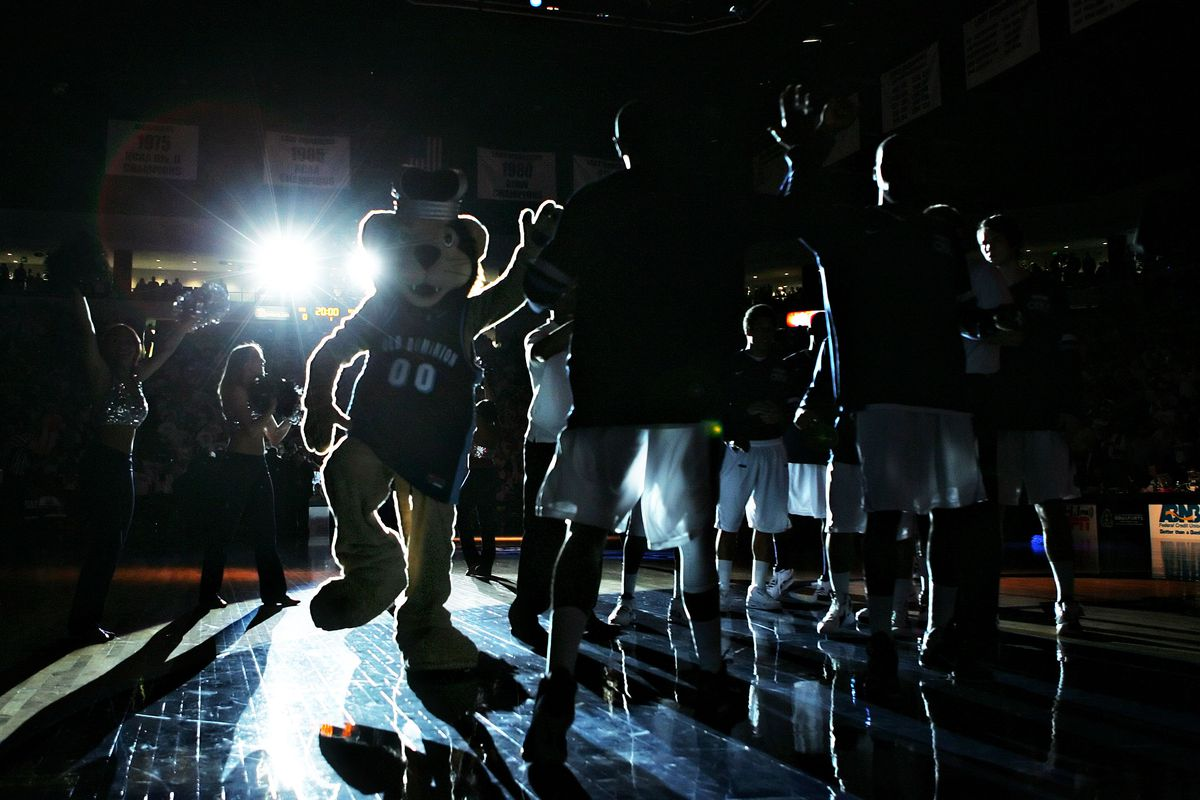 Ncaa Basketball Rankings 2015 Old Dominion Makes First Top