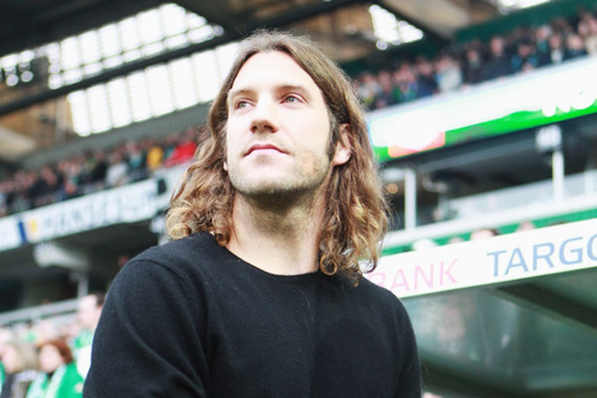 Frings looking fondly over his former home at Werder.  Wonder if he will feel the same about TFC