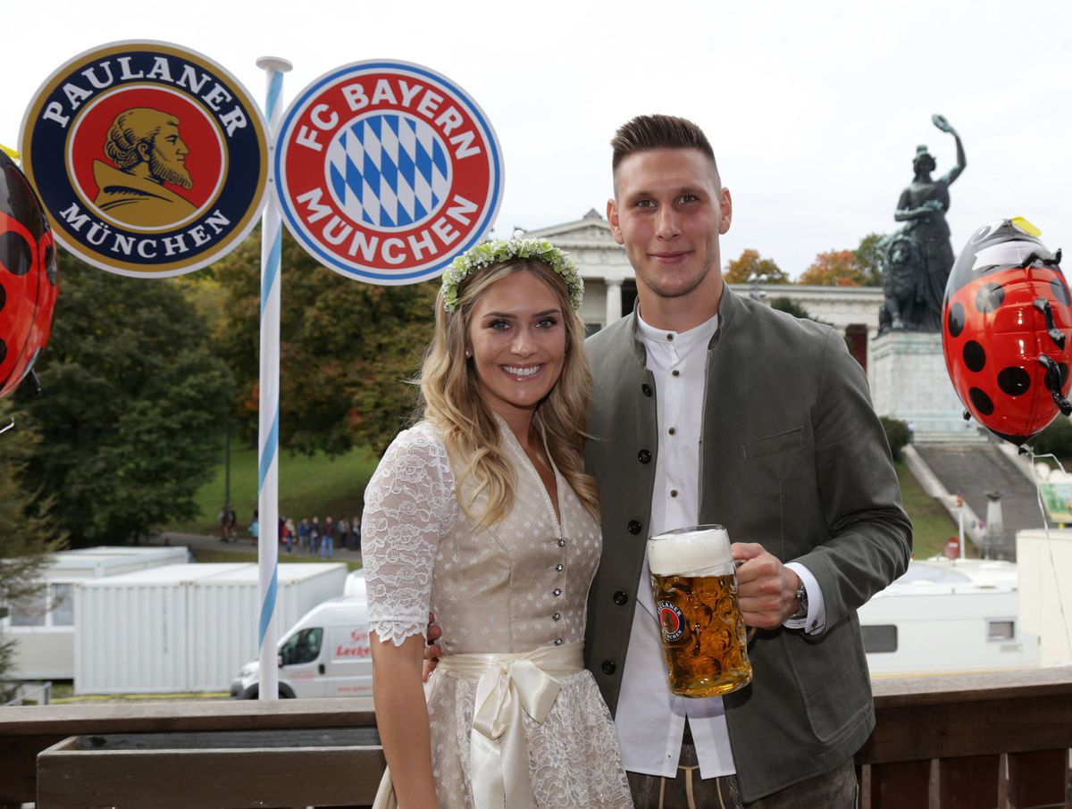 Sule and his girlfriend