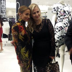 Nicole Richie (sporting a killer turtleneck Jean Paul Gaultier maxi dress) and celebrity stylist Cher Coulter.
