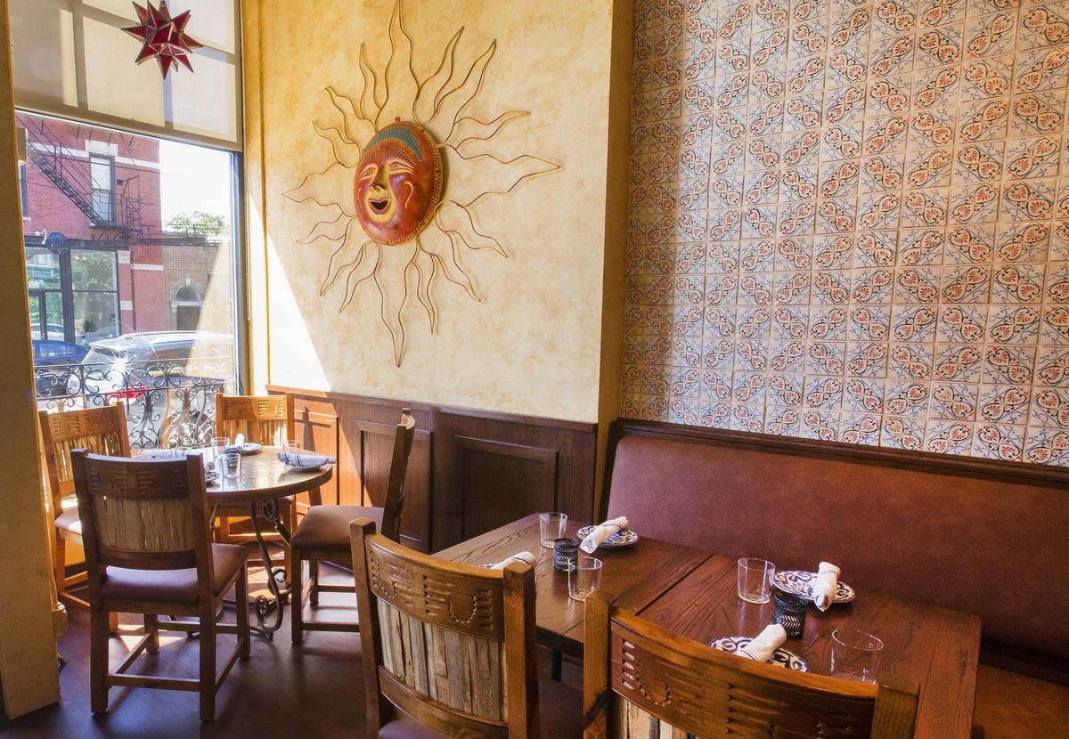 Inside Lincoln Park S Old Pueblo Cantina Eater Chicago