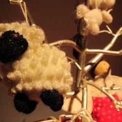 Handmade fairtrade ornaments to benefit communities in Peru