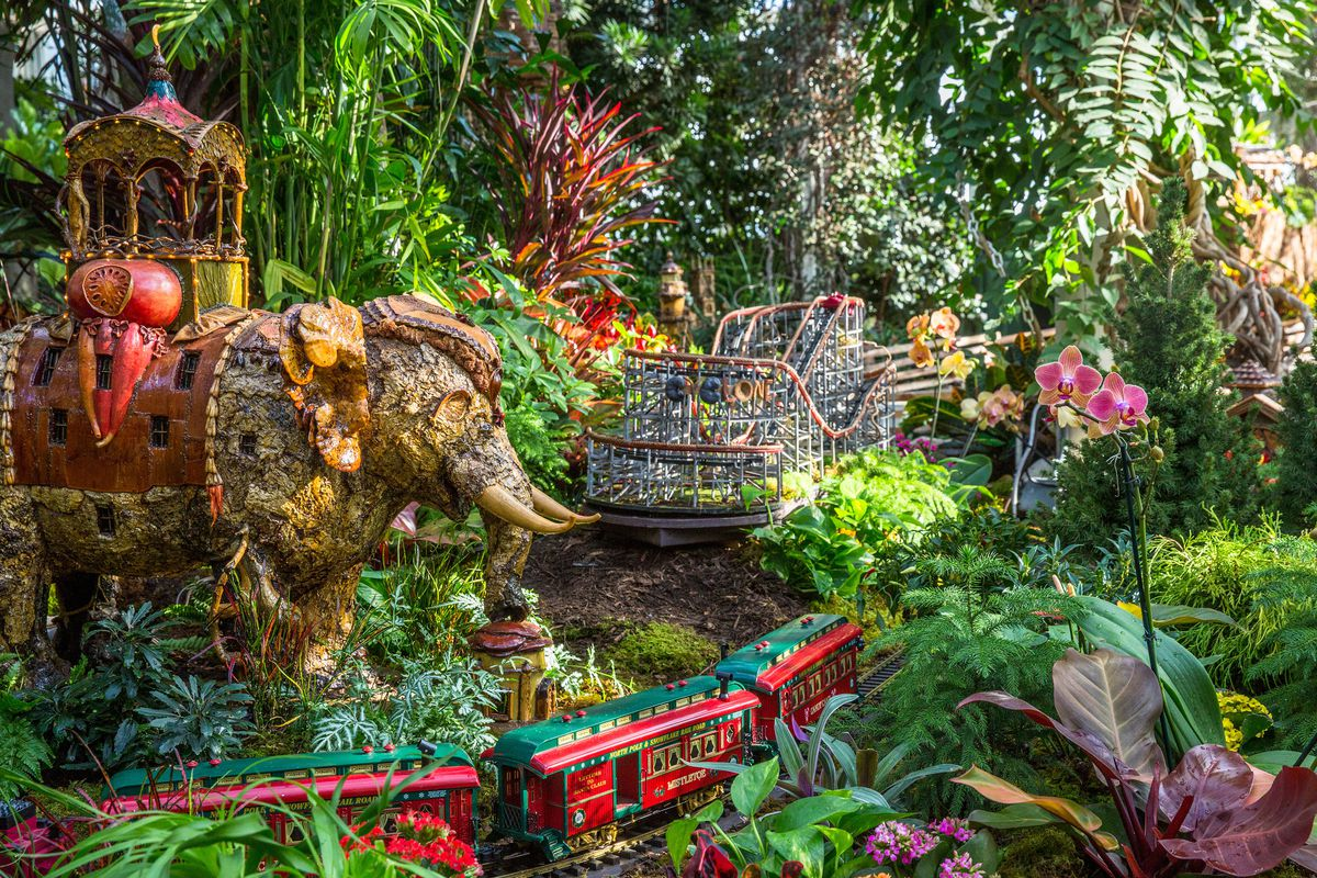 stay at the botanical garden until january 15 2018 ticket prices vary depending on age and day of the week so check out nygbs train show website for - Bronx Botanical Garden Train Show