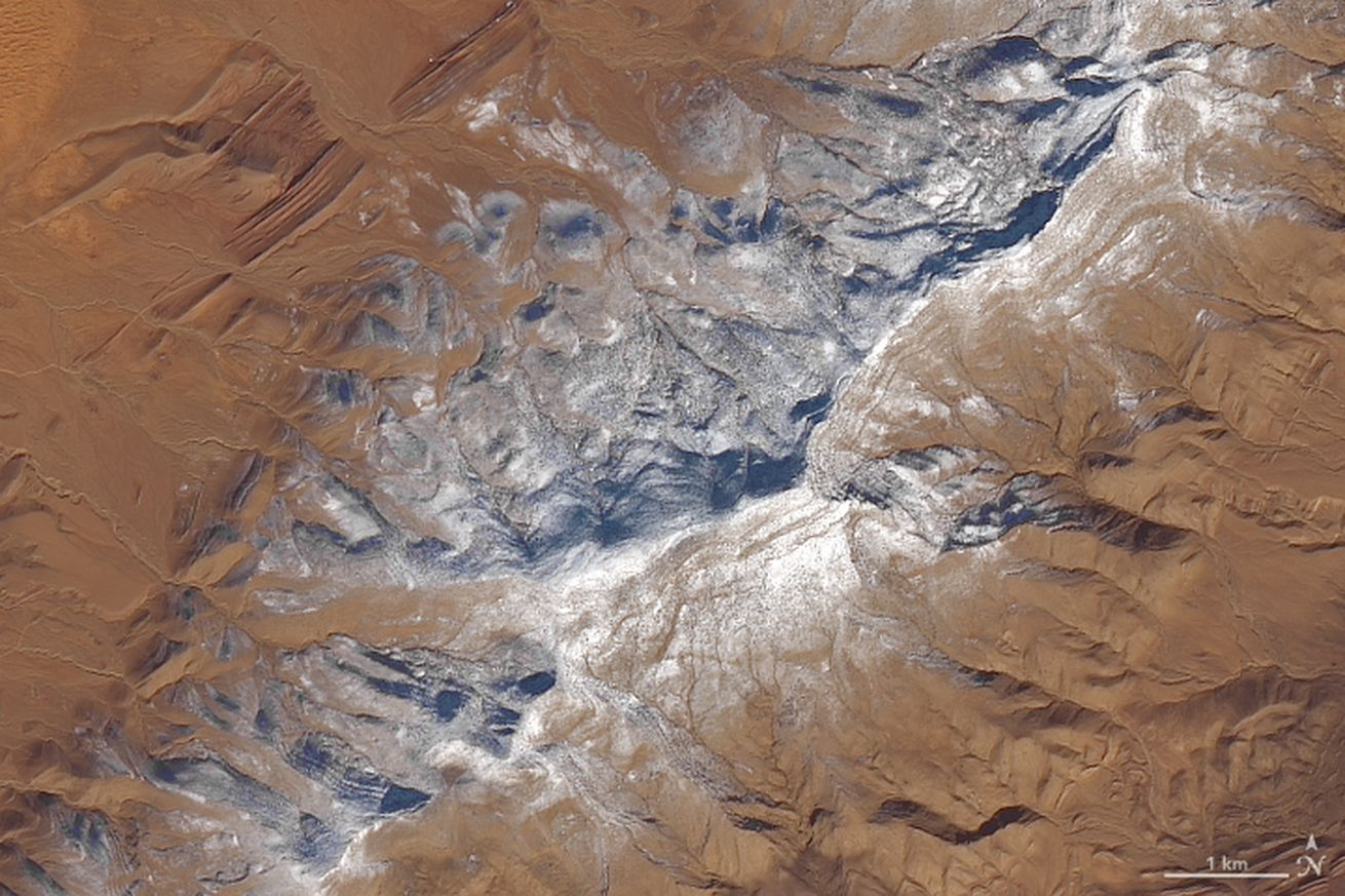 those viral pictures of snow in the sahara are real