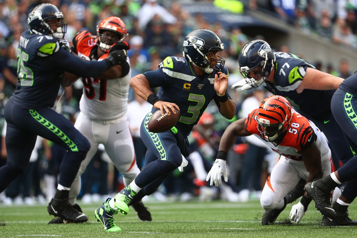 Does Seahawks QB Russell Wilson attack the short middle of the field?