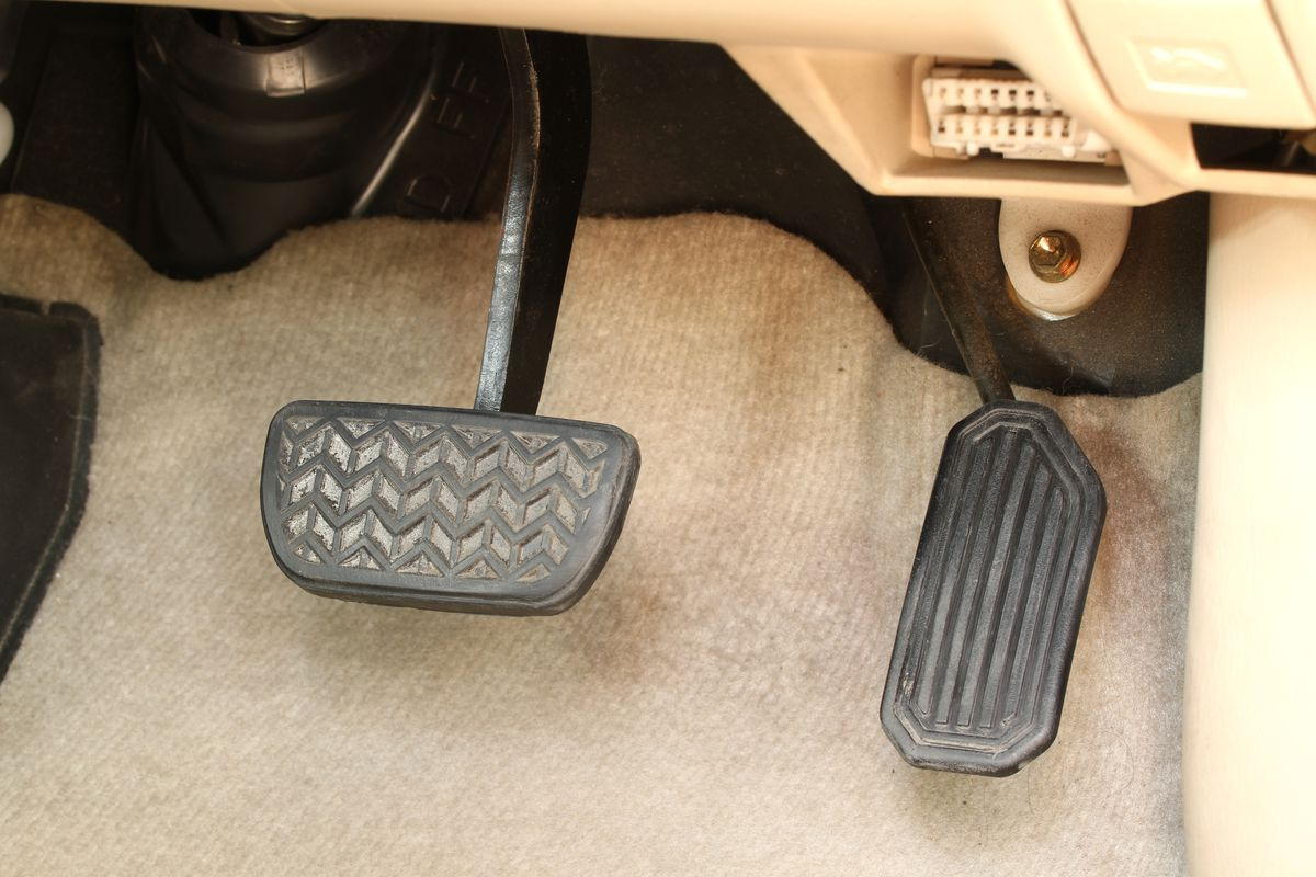 Why some experts think driving with two feet could be safer than one