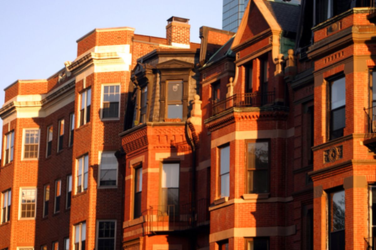 """Image via <a href=""""http://www.shutterstock.com/pic-3271696/stock-photo-back-bay-and-neighboring-beacon-hill-are-considered-boston-s-most-upscale-and-desirable.html"""">col</a>/shutterstock"""