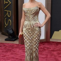 """Kristin Chenoweth in Roberto Cavalli. (For those playing our red carpet <a href=""""http://racked.com/archives/2014/02/26/oscars-2014-rackeds-red-carpet-bingo.php""""target=""""_blank"""">Bingo</a> game, she counts as a non-nominee wearing gold!)"""