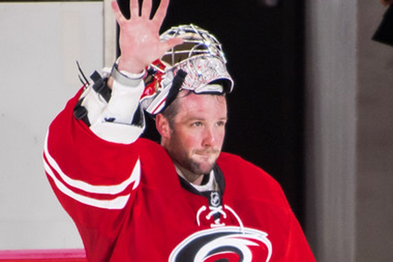 Cam Ward signs one-day contract to retire with Canes