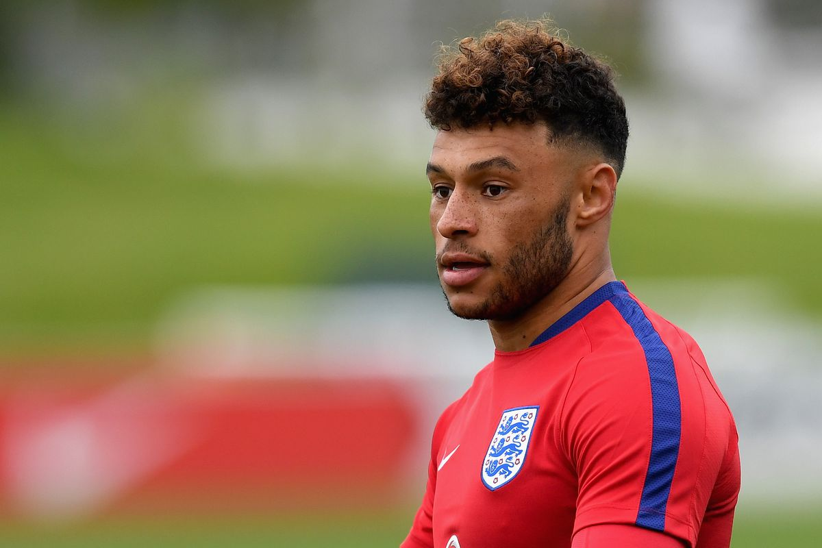 Silly Arsenal man Alex Oxlade Chamberlain rejects Chelsea move in